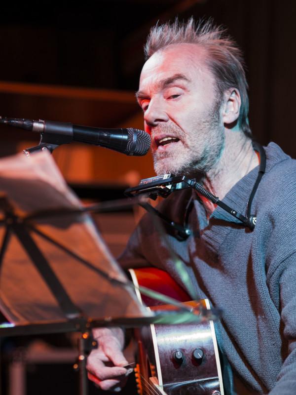 Magnus Lindberg, född 1952 i Eskilstuna, är en svensk sångare, musiker och kompositör. Han har varit medlem i Landslaget och sedermera i Grymlings men har ändå främst varit soloartist.