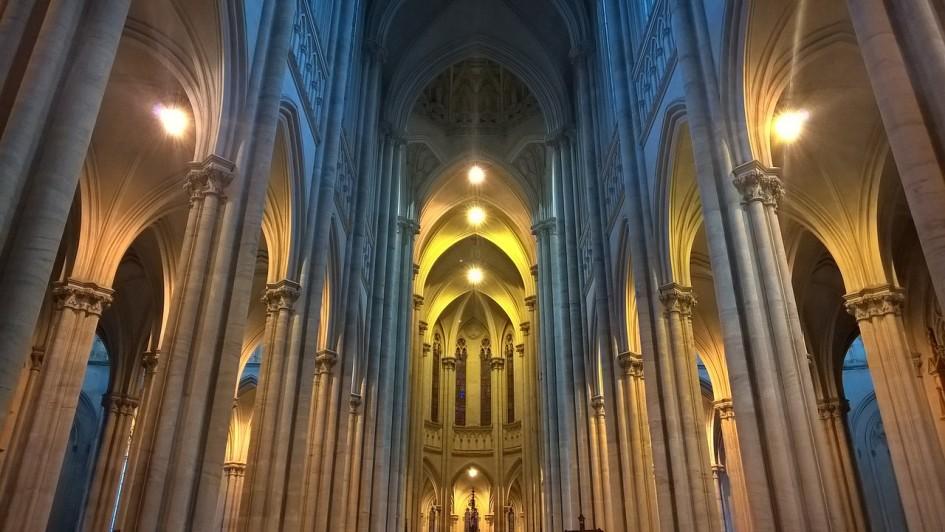 church-interior-1149470_1280